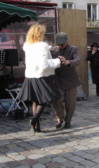 Ann Pelanne - Street Dance